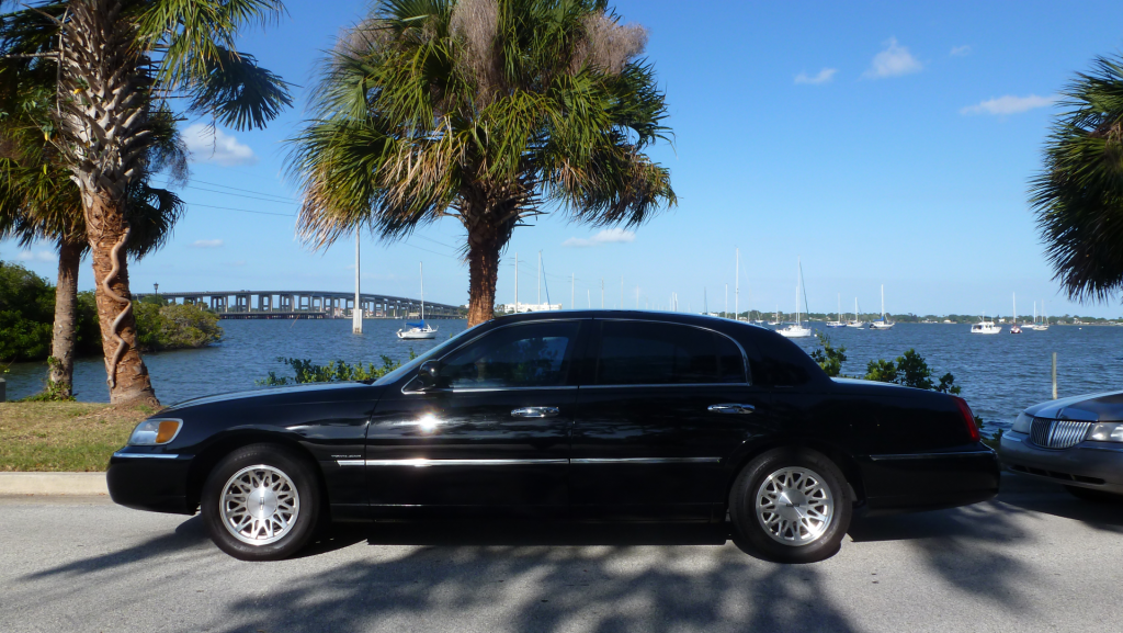 Superb Luxury Town Car, And Shuttle Services To Port Canaveral From Orlando